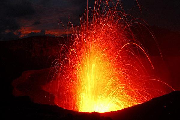 escursione il vulcano di tanna